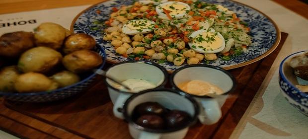 Arrume as malas! Restaurante oferece experiência lusitana em Salvador.
