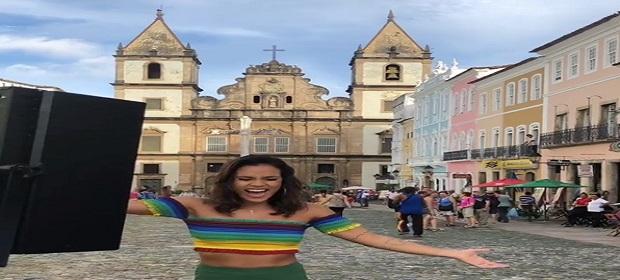 Ju Moraes grava clipe da nova música de trabalho.