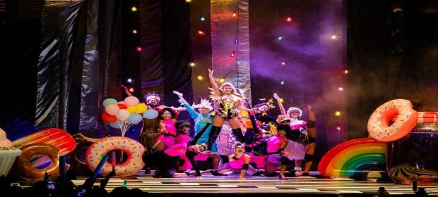Lore Improta estreia turnê de musical infantil em Fortaleza-CE.