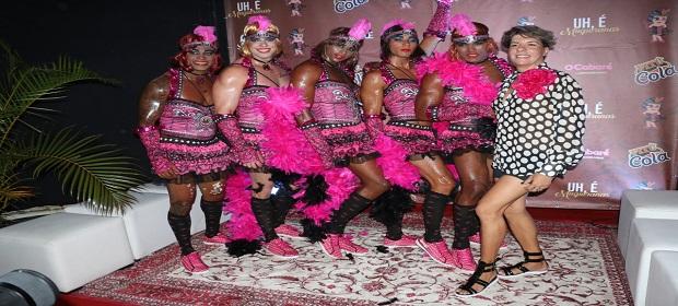 Glamour na fantasia das Muquiranas: bloco apresentou a vestimenta.