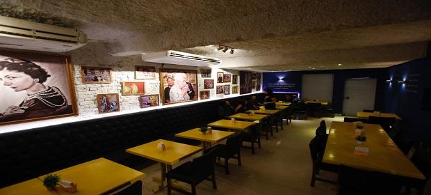 Música, humor e gastronomia no fim de semana do Oessi Restôbar.