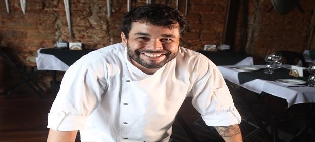 Chef Gabriel Lobo apresenta Sagaz Assador.