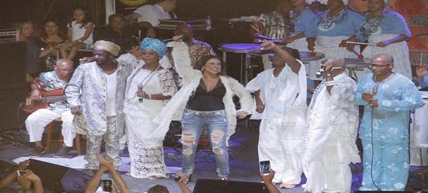 Verão 2018: Cortejo Afro lota Largo Pedro Archanjo.