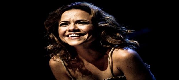 Vânia Abreu em show inédito neste final de semana.