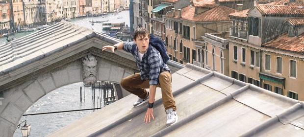 'Homem-Aranha: Longe de Casa' divulga trailer oficial.