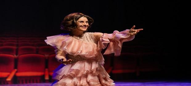 Comédia musical 'O Som e A Sílaba' chega a Salvador no Teatro ISBA.