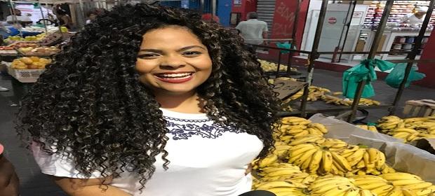 Tairine Ceuta estreia a 'Live Com Sabor' no Aratu Online.
