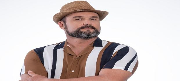 Léo Estakazero abre temporada junina.