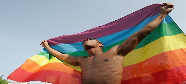 Parada do Orgulho LGBTQIA+ na Bahia chega à 19 ª edição.
