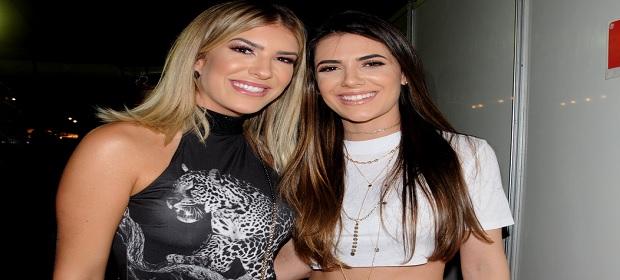 Lore Improta e Jade Magalhães curtem show de Luan Santana no VillaMix.