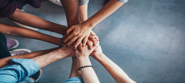 Projeto 'Chegue Junto Comunidade' leva serviços gratuitos a Itapuã.