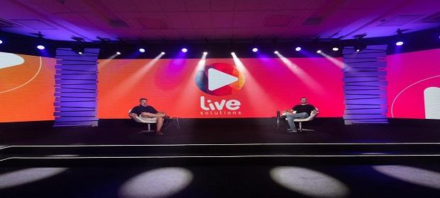 Empresa baiana cria espaço para lives de shows e congressos.
