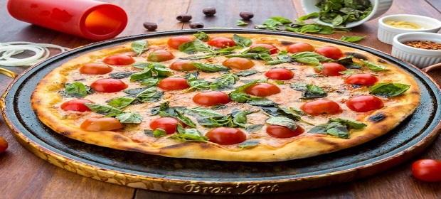 Dia da Massa é comemorado na pizzaria Casa de Pedra.
