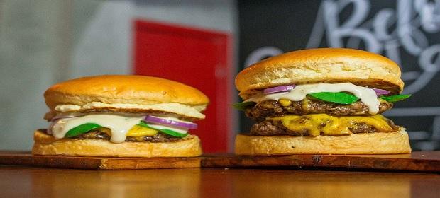 Red Burger comemora aniversário de dois anos.