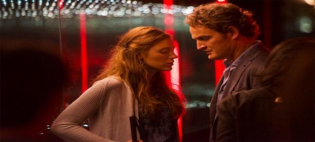 Blake Lively vive mulher que volta a enxergar e questiona o casamento.
