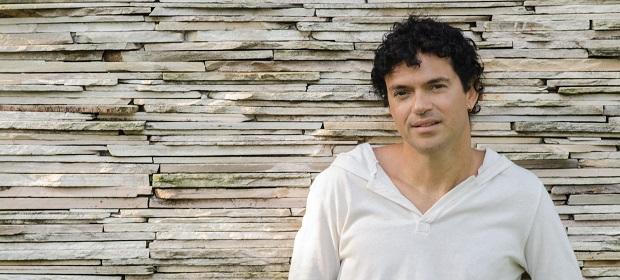 Jorge Vercillo se apresenta no Teatro Castro Alves dia 7 de julho