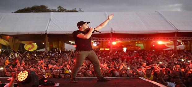 Salvador Fest: Safadão foi a sexta atração a subir no palco.