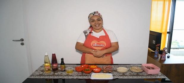Mãe de Gil do BBB ensina receita favorita do filho.