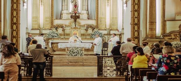 Casa Pia recebeu Missa Solene e apresentou acervo restaurado.