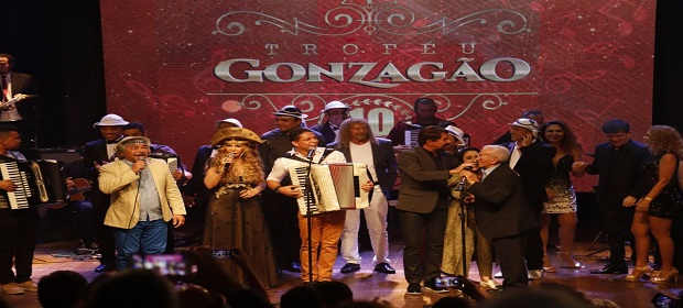 Forrozeiros lançam CD especial em homenagem às festas juninas.