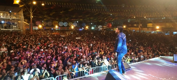 Pablo se apresenta no Maior São João do Mundo na Paraíba