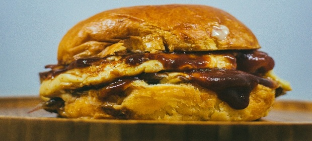 Universitário baiano investe em hamburgueria no Nordeste de Amaralina.