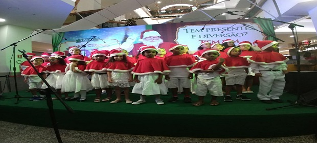 Shopping Itaigara finaliza apresentações dos corais natalinos.