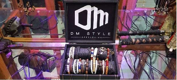 Dm Style marca estreia no BAZAR.CO e leva acessórios exclusivos.