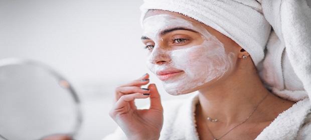 Clínica Elisa Marchesini oferece cuidado com a pele em todas as idades