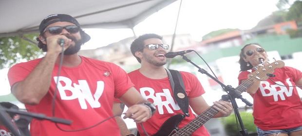 Banda do Rio Vermelho inicia o Test Drive de percussão para mulheres.