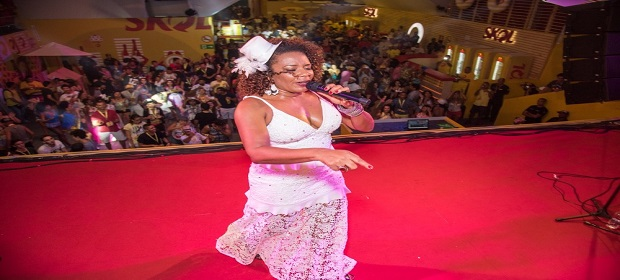 Carnaval 2018: Margareth Menezes agita CASA SKOL.