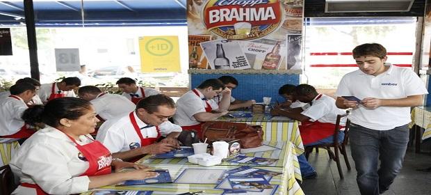Cervejaria Ambev promove treinamento de consumo responsável na Copa.