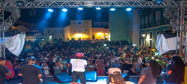 Noite que reuniu reggae e solidariedade foi comandada por Edson Gomes.