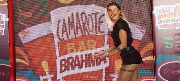 Gabriela Pugliesi cai no samba em Salvador