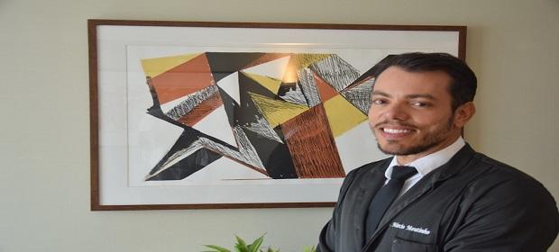 Cirurgião dentista Marcio Moutinho fará pós no Hospital Sírio Libanês.