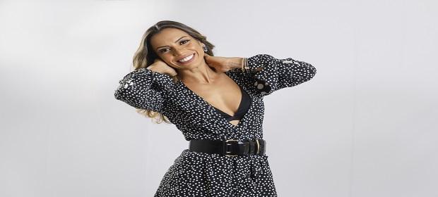 Kaline apresenta o show 'Um Bilhete pra Ela' no Portela Café.
