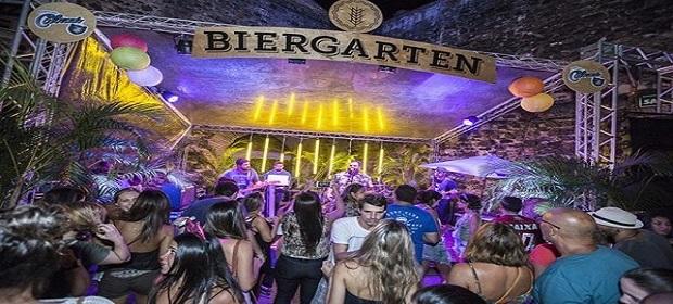 Biergarten comemora três anos de sucesso.