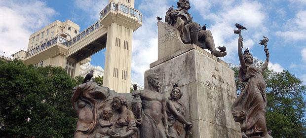 Praça Cairu
